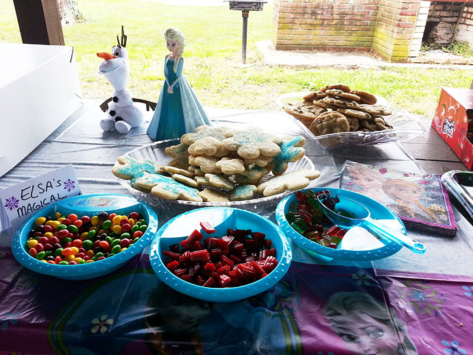 Elsa's Magical Treats - Party Food Sweets, Cookies, and Brownies